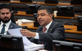 Bira repudia declarações de Bolsonaro contra ex-presidente do Chile