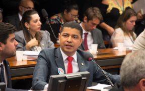 Deputado chama atenção para proposta do Governo de reduzir FGTS de 8% para 6%