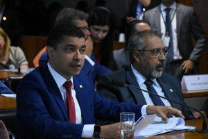 Deputado vota contra proposta que permitia confisco de patrimônio das universidades públicas